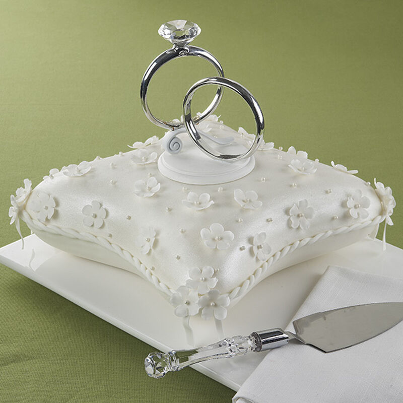Double Ring Ceremony Cake image number 0