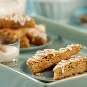 Lemon Pistachio Blondies