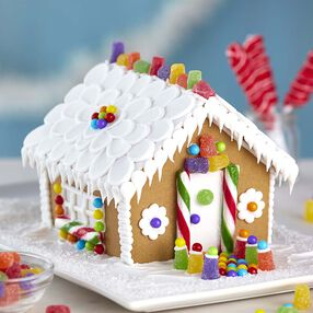 Small and Stylish Gingerbread House