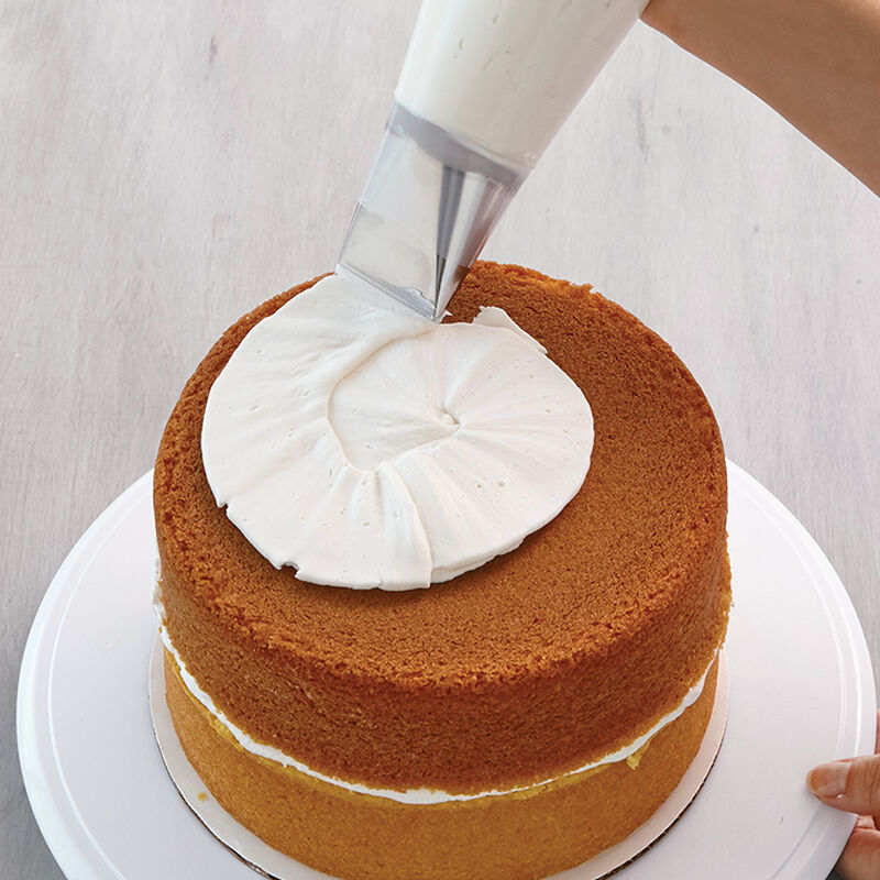 How to Ice a Cake Using Tip #789