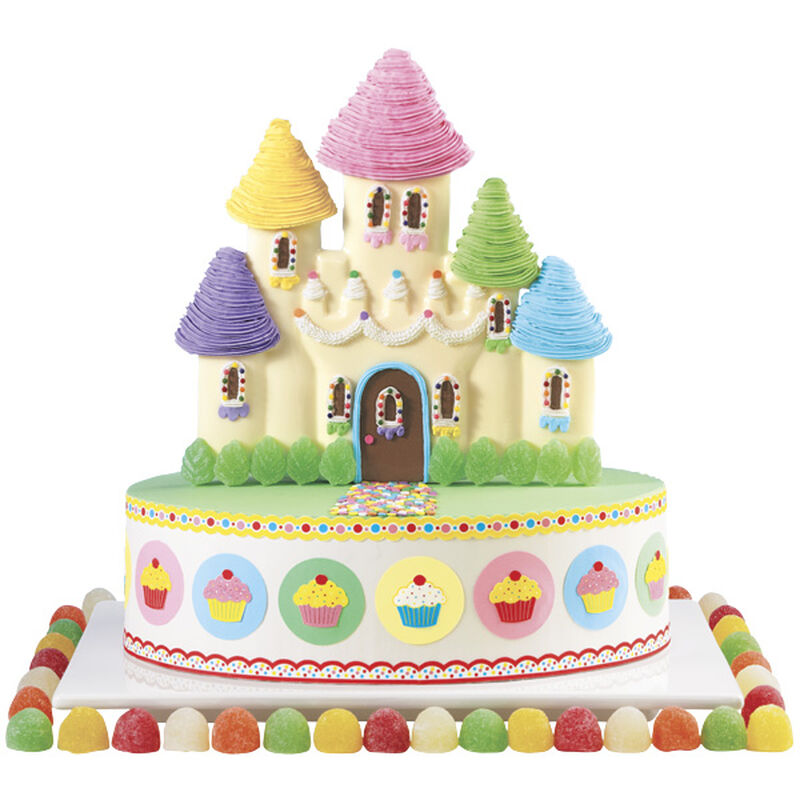 Sweetness for Her Highness Cake image number 0