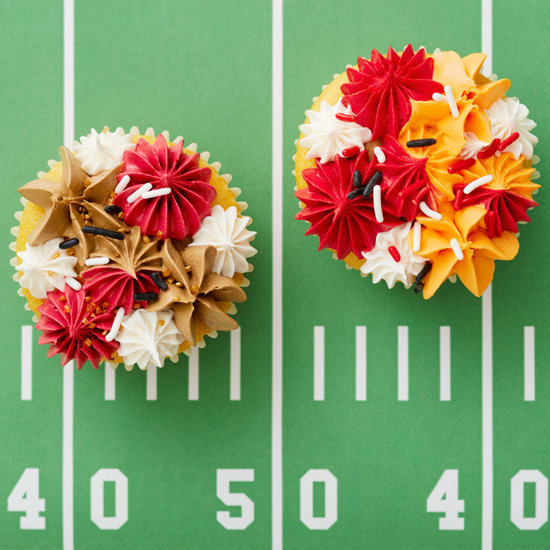 Kansas City Chiefs Cupcakes and San Francisco 49ers Cupcakes   image number 0