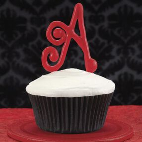 Delish Initial Cupcakes