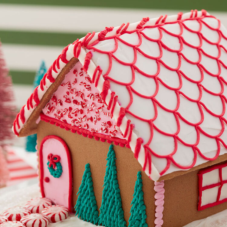 How to Make Scalloped Shingles on a Gingerbread House