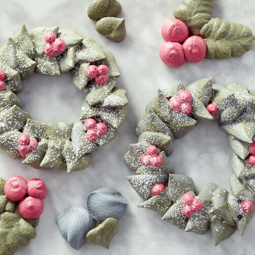 Christmas Wreath Meringue Cookies