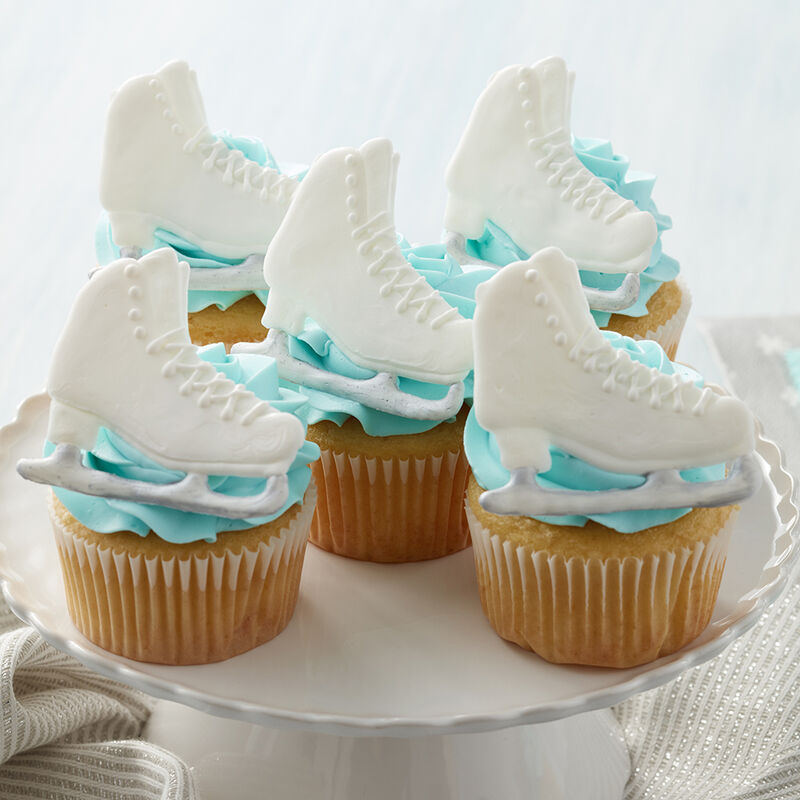 Enticed to Ice Skate Cupcakes image number 0
