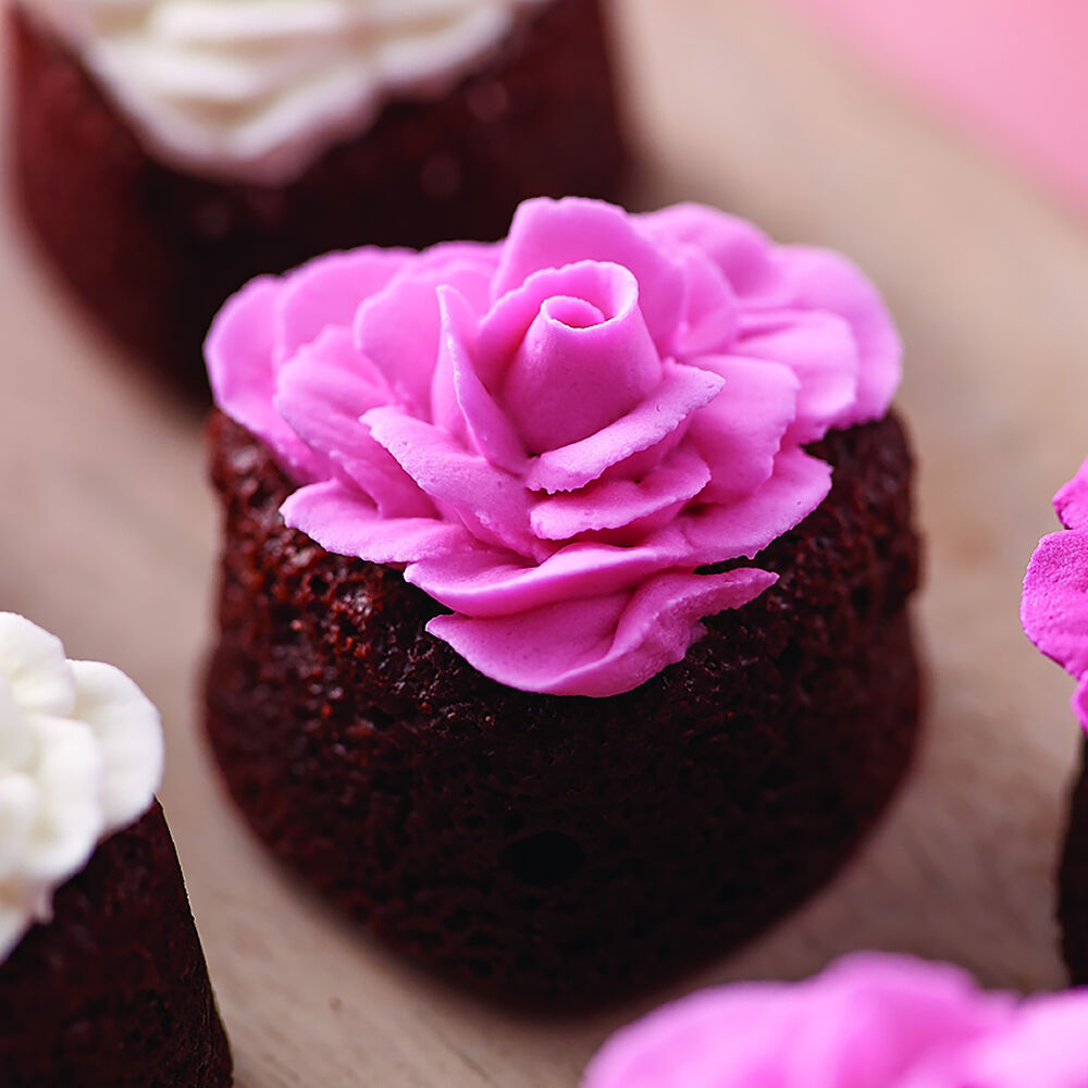 How to make delicious butter icing for cupcakes