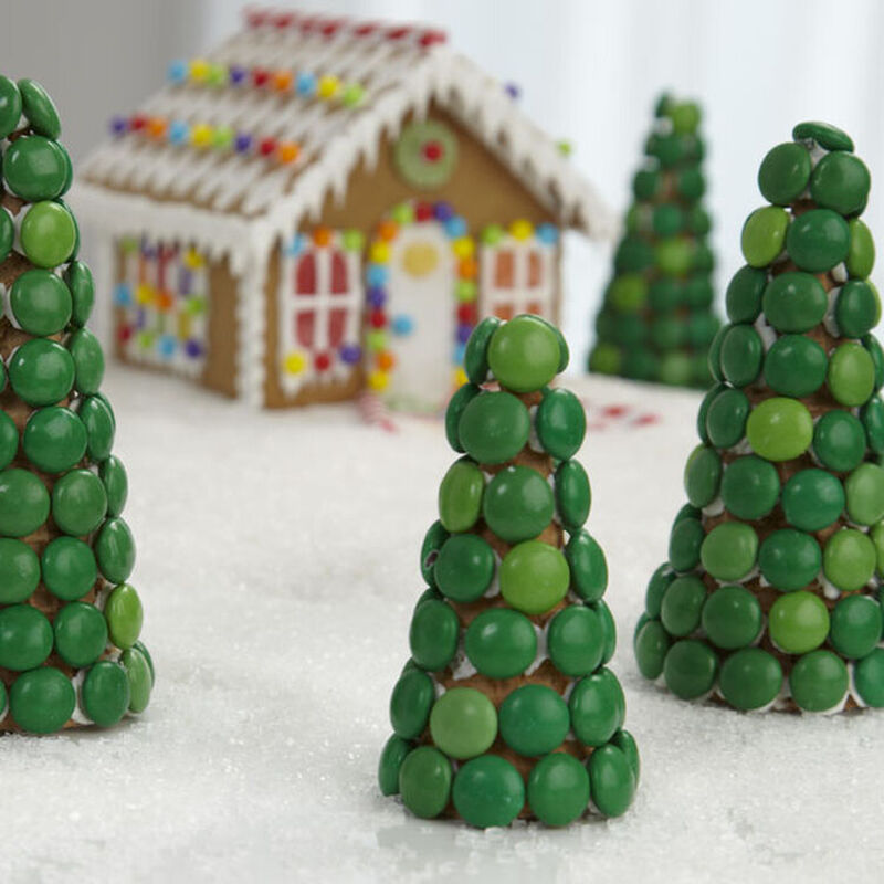How to Make a Candy Christmas Tree image number 0