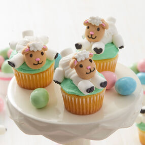 Little Lamb Mini Cupcakes