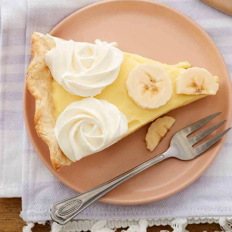 slice of banana cream pie