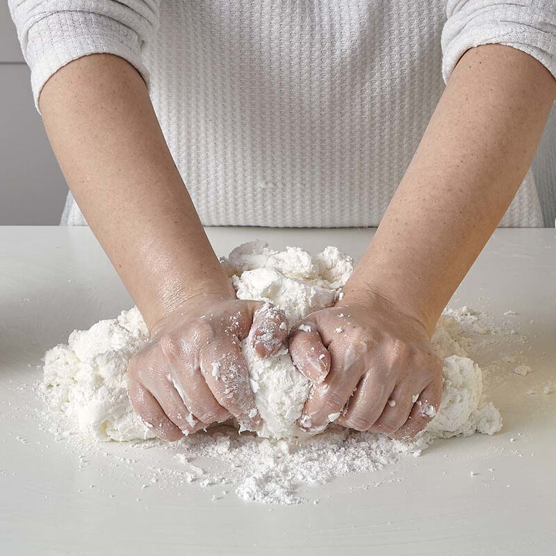 Easy Homemade Marshmallow Fondant Recipe image number 1