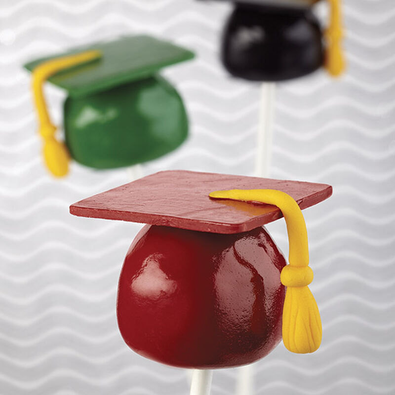 Candy-Dipped Marshmallow Graduation Caps image number 0
