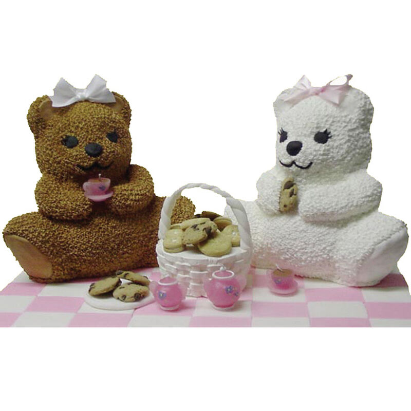 Teddy Bear's Picnic Cake image number 0