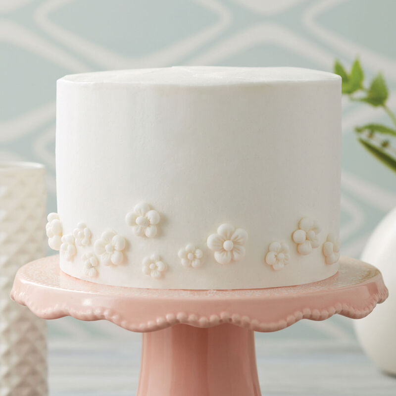 Sweet White Floral Cake image number 0