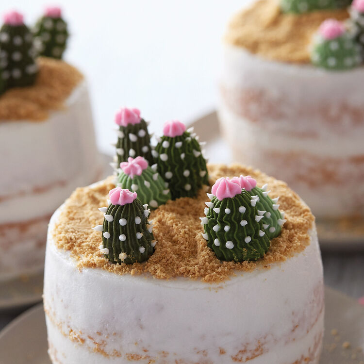 How to Pipe a Buttercream Cactus