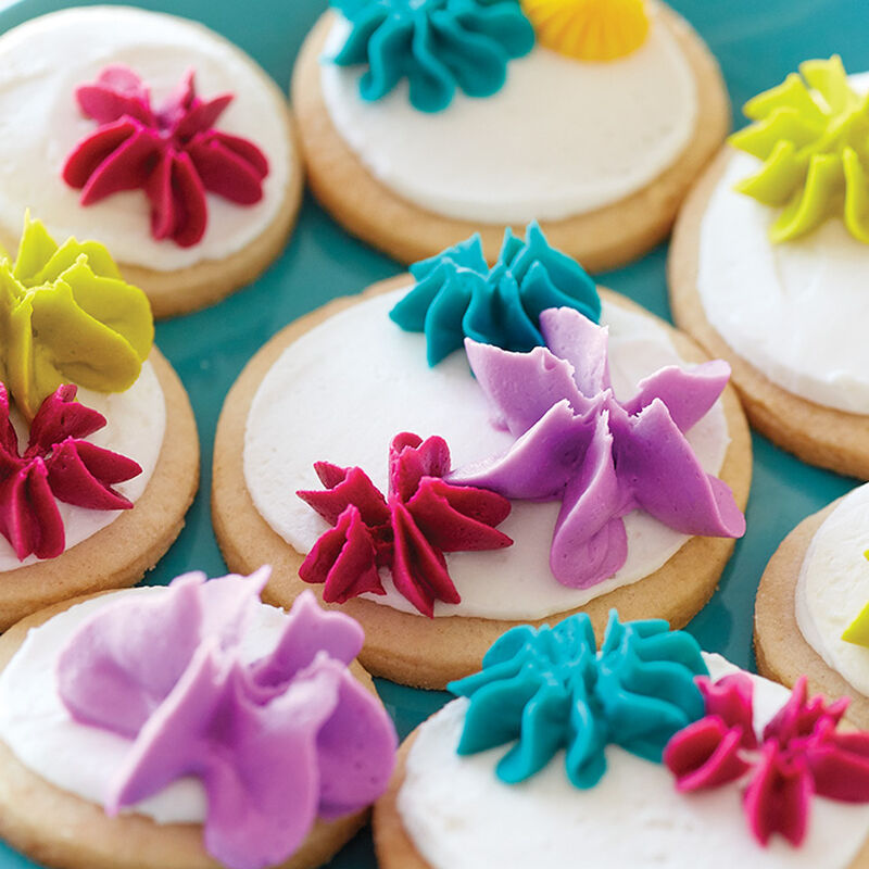 How to Pipe an Icing Star Drop Flower