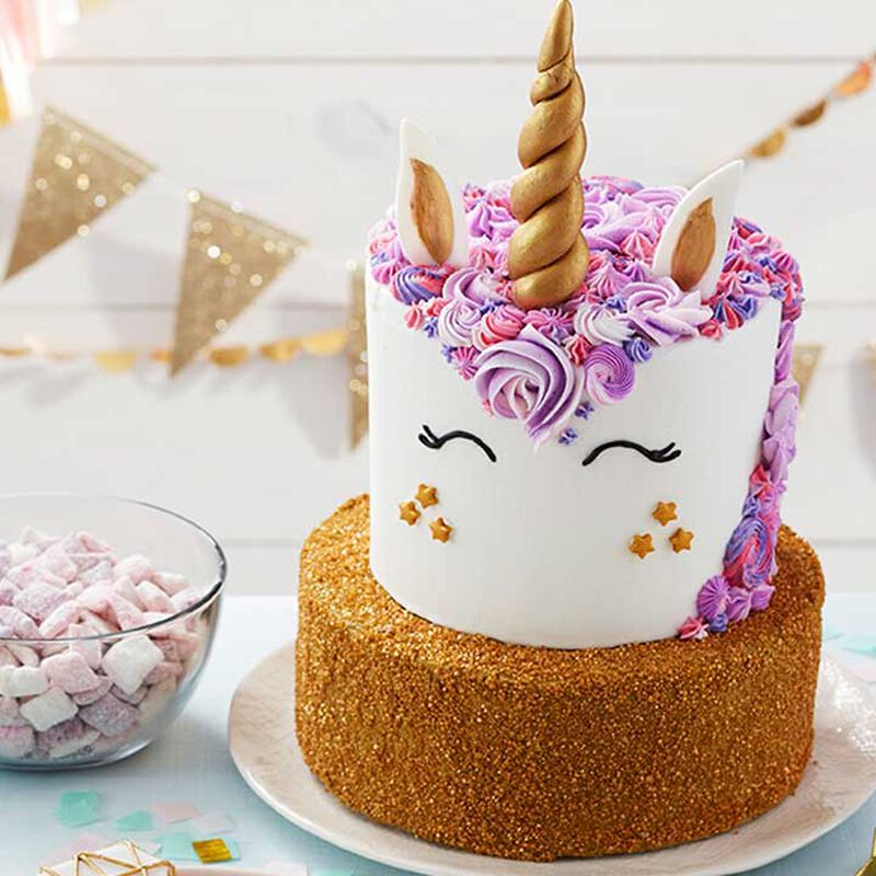 How to Make a Sparkling Unicorn Cake