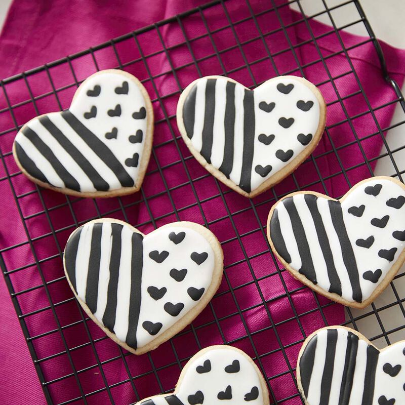 Black and White Heart Cookies image number 0