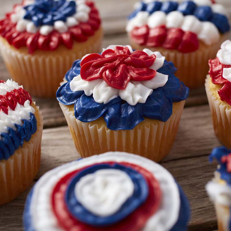 Wilton Patriotic Cupcakes with Tip 100 image number 3