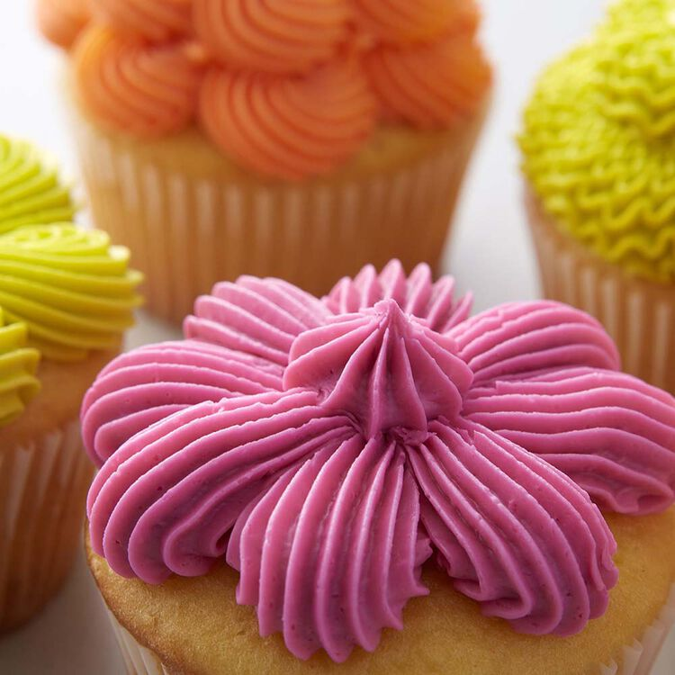 Wilton 7 Ways to Decorate a Cupcake with Tip 32