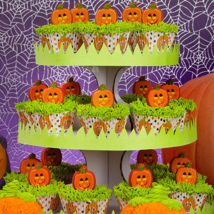 Polka-Dotted Pumpkin Patch Cupcakes
