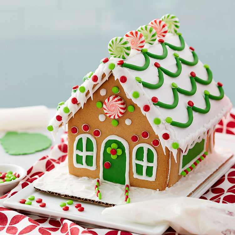 How to Make Fondant Garland for a Gingerbread House