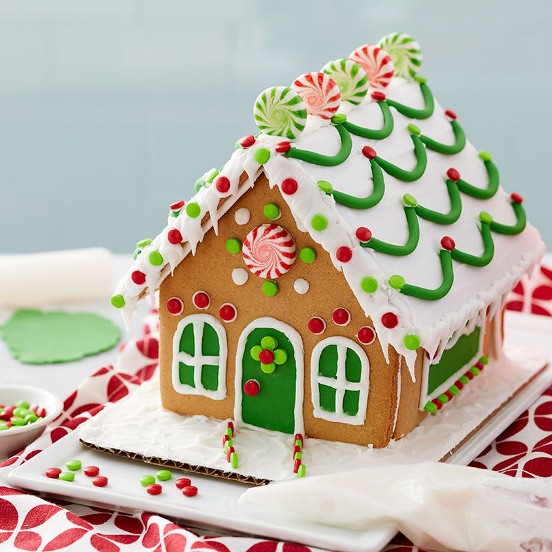 How to Make Fondant Garland for a Gingerbread House image number 0