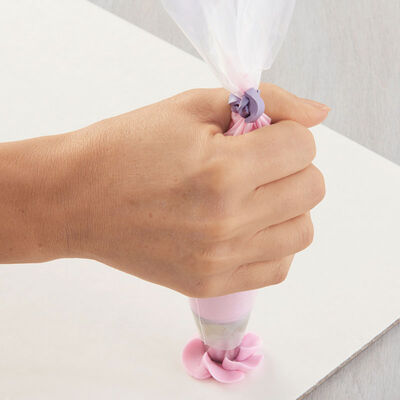 How to Pipe Swirl Drop Flowers