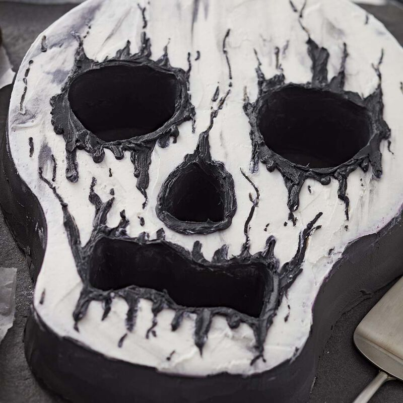 Creepy Skull Cake image number 0