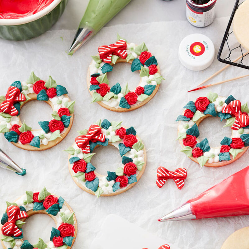 Video for How to Make Buttercream Wreath Christmas Cookies