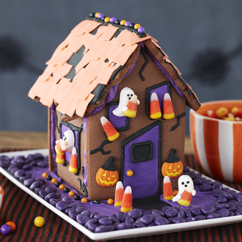 Kids Halloween Gingerbread House image number 0