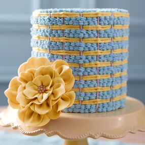 Shell Weave & Fantasy Flower Cake