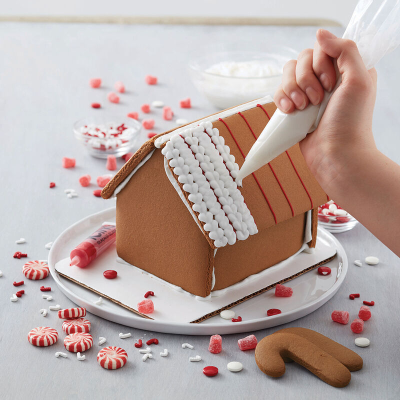 Minty Memories Gingerbread House image number 1