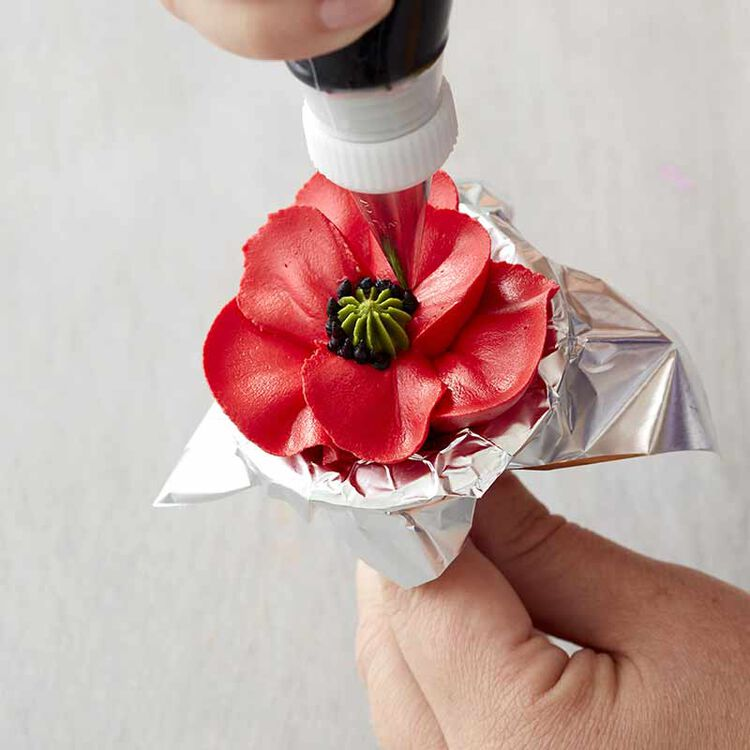 step 8 how to pipe a buttercream poppy