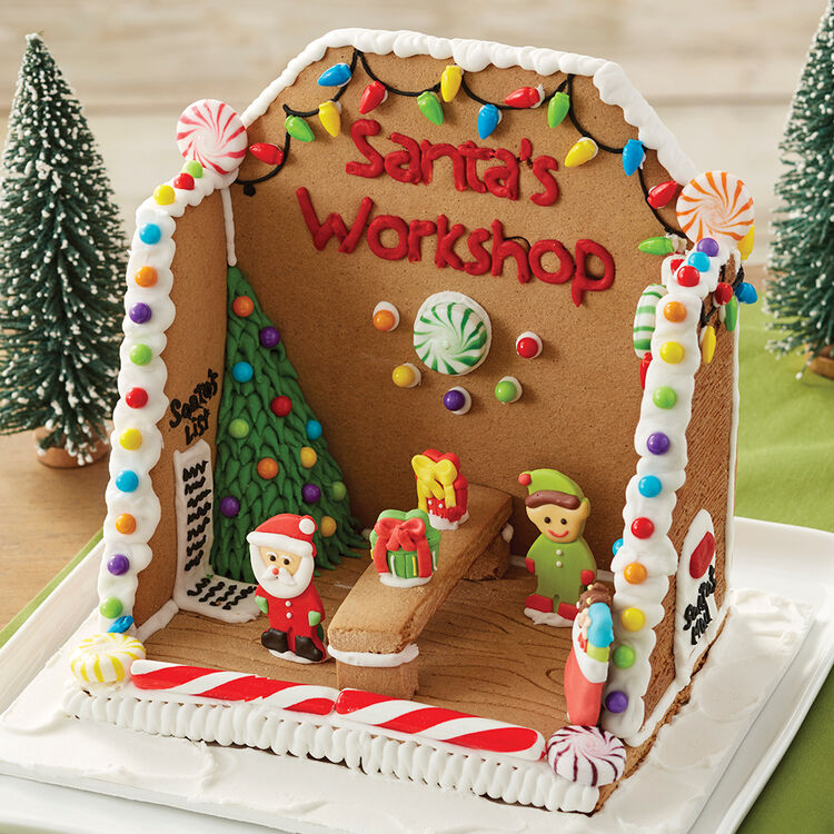 Santa?s Workshop Gingerbread Scene #2