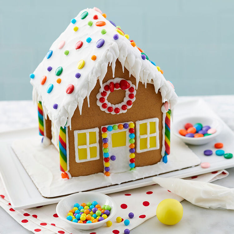 How to Ice a Smooth Gingerbread House Roof