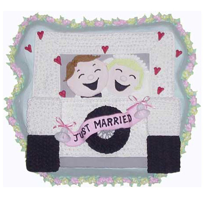 Just Married Cake image number 0