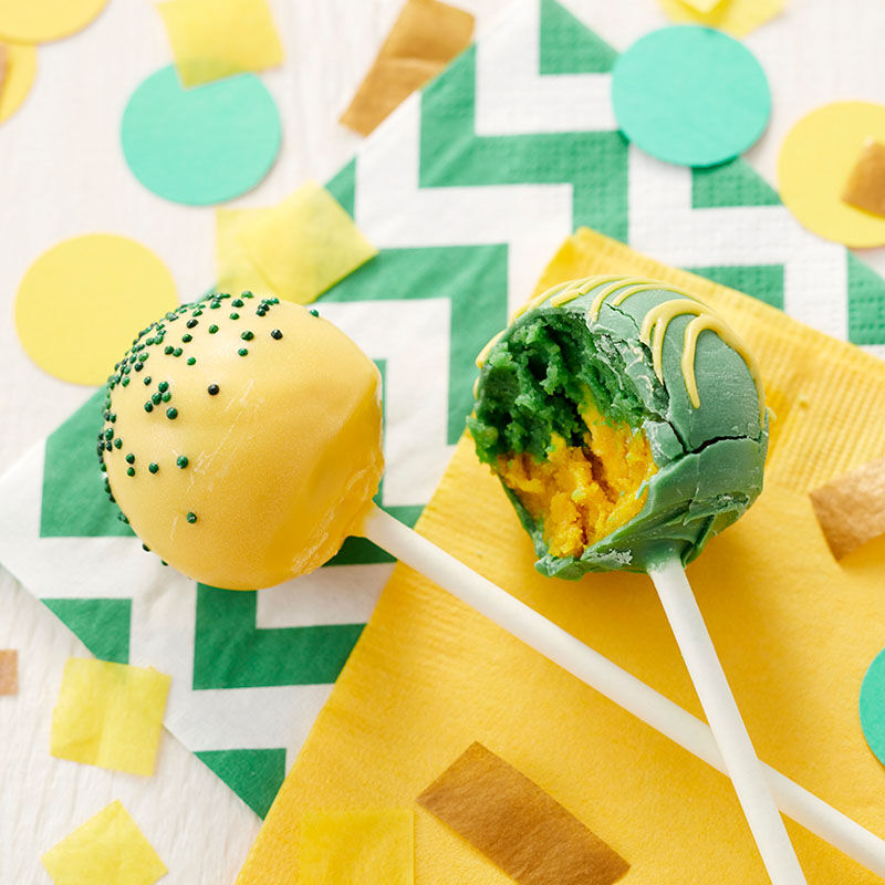 How to Make Two Color Cake Pops Video