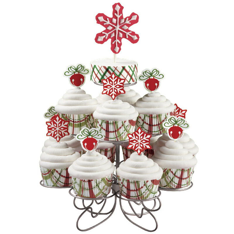 Classic Cupcakes for Christmas image number 0