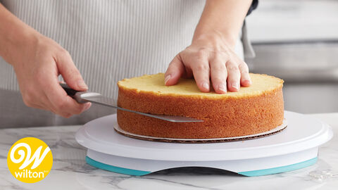 How To Level Amp Torte A Cake Wilton