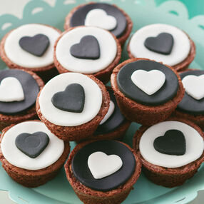 Black and White Brownie Bites