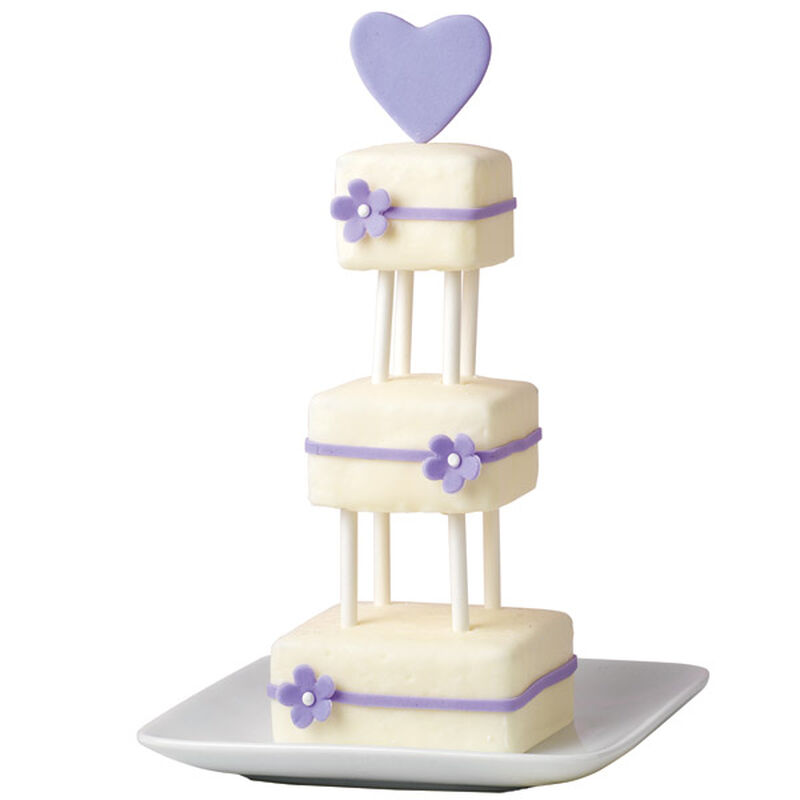 Tiny Tiers Mini Cakes image number 0