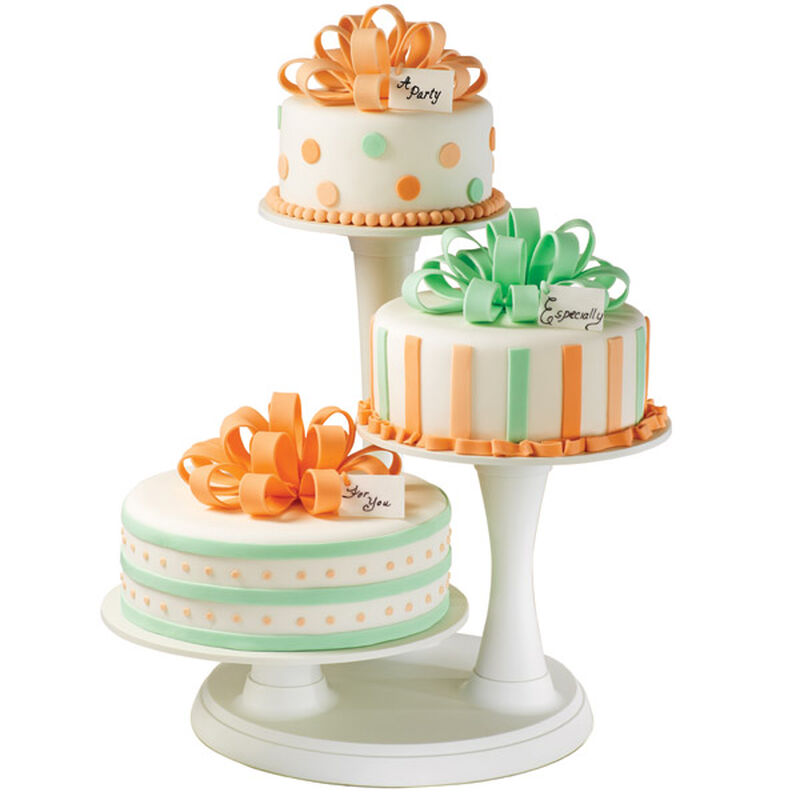 Bow Trio Cakes image number 0
