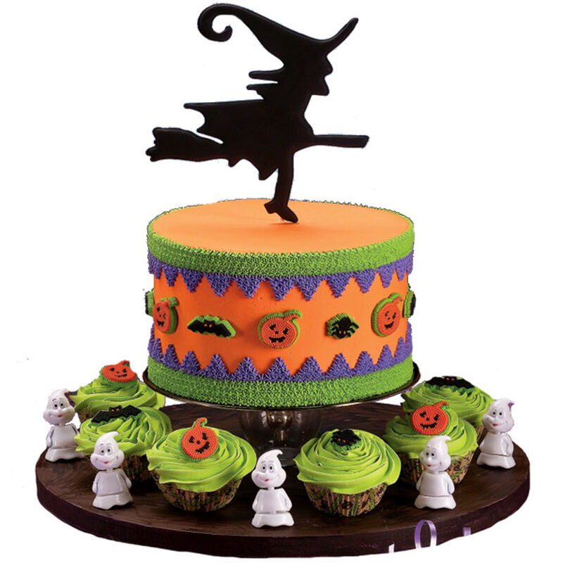Circle of Sorcery Cake and Cupcakes image number 0