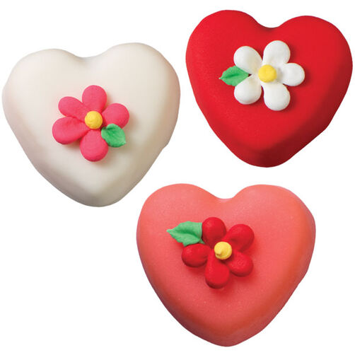 Hearts & Flower Cakes: A Perfect Pair