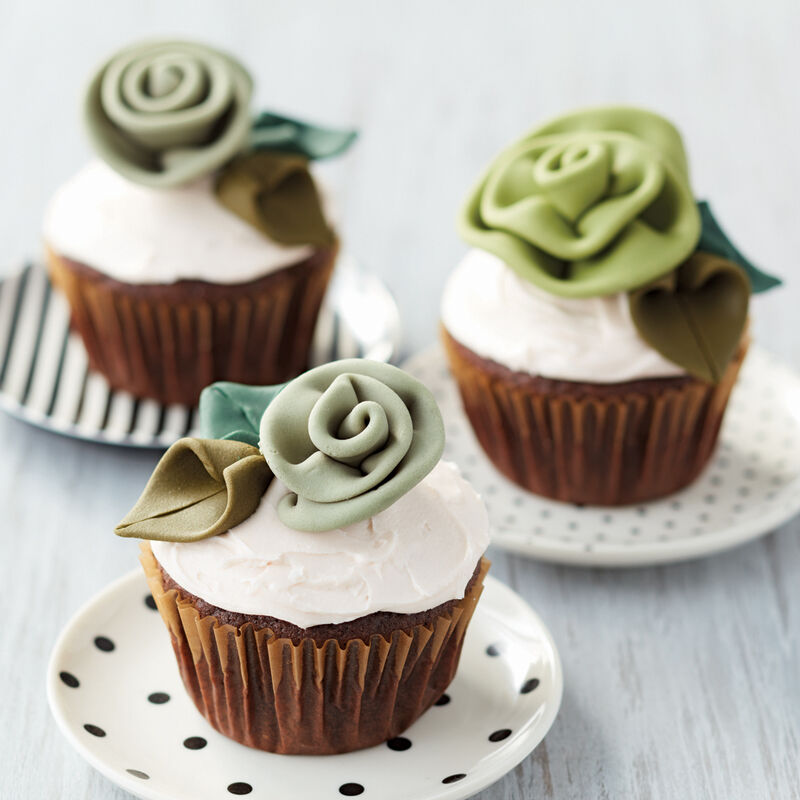 Shades of Green Ribbon Rose Cupcakes image number 0