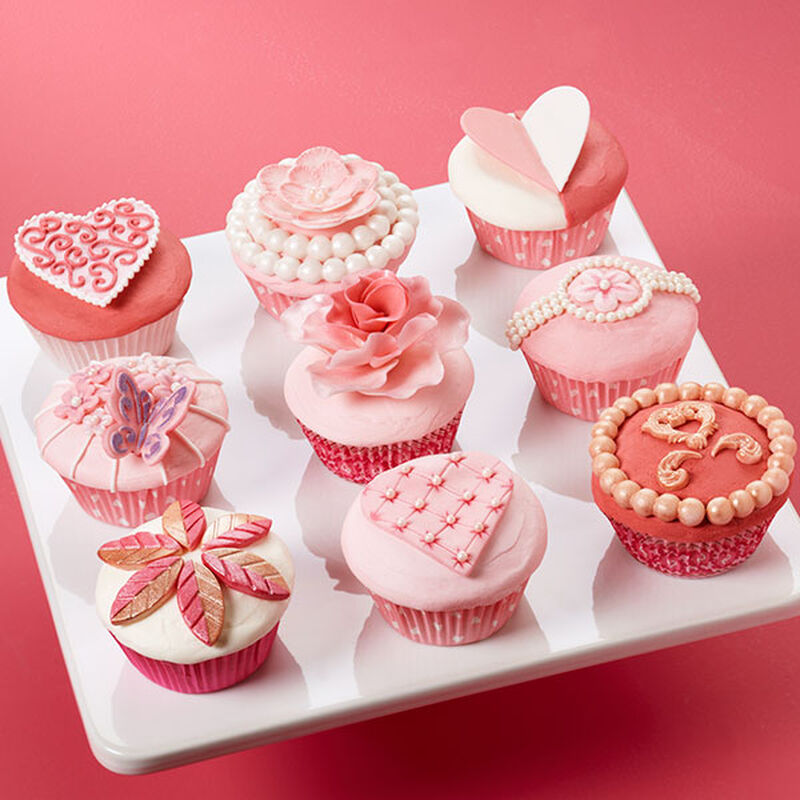 Soft and Sophisticated Valentine's Day Cupcakes Scene image number 0