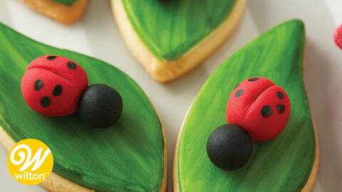 How to Make a Fondant Ladybug