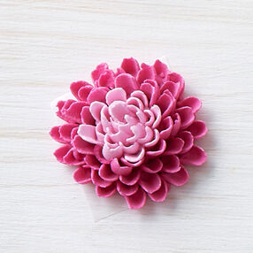 How to Pipe a Buttercream Dahlia Flower