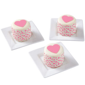 Hoppin' With Hearts! Mini Cakes